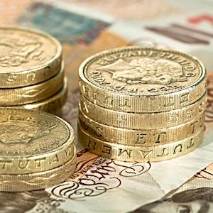 Närbild på brittiska pundmynt