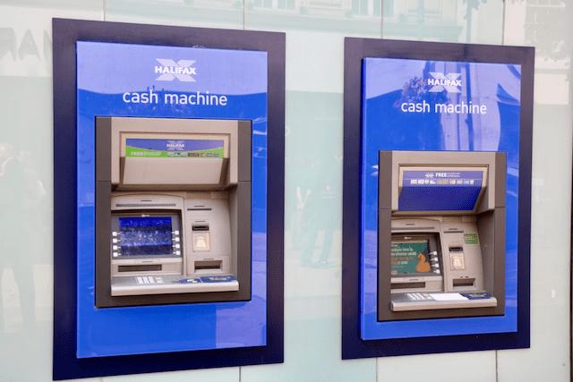 Uttagsautomater