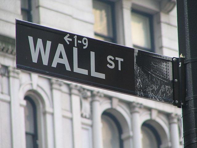 Wall Street-skylt på Manhattan