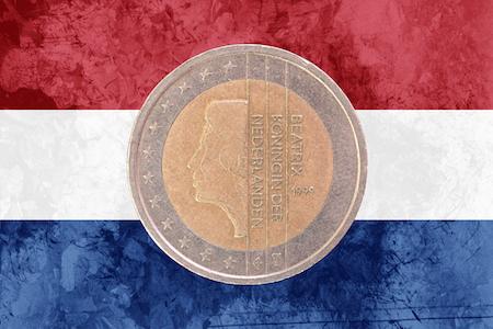 Nederländskt 2-euromynt med drottning Beatrix som motiv
